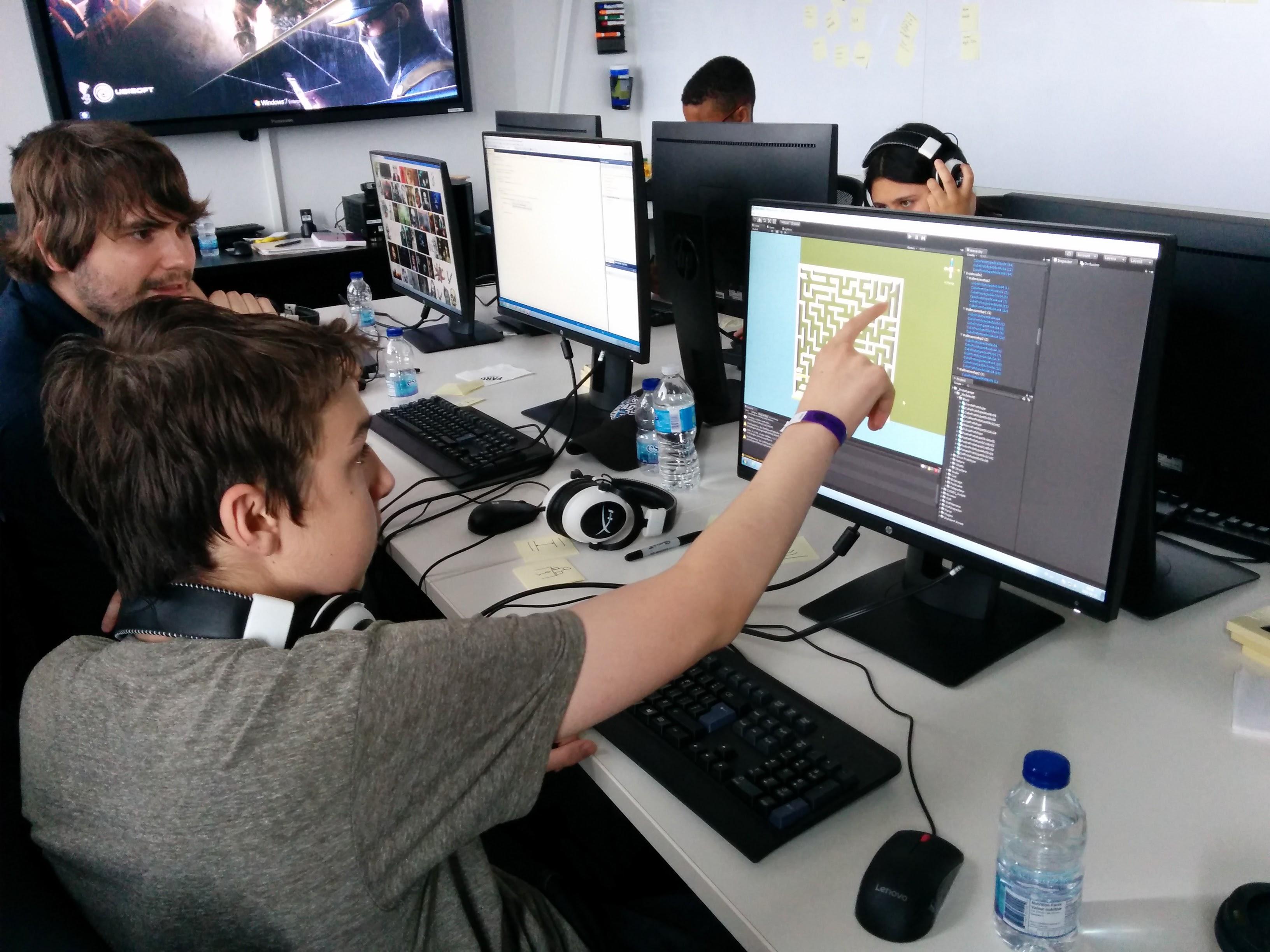 Des élèves du secondaire à Ubisoft Montréal pour un game jam en VR